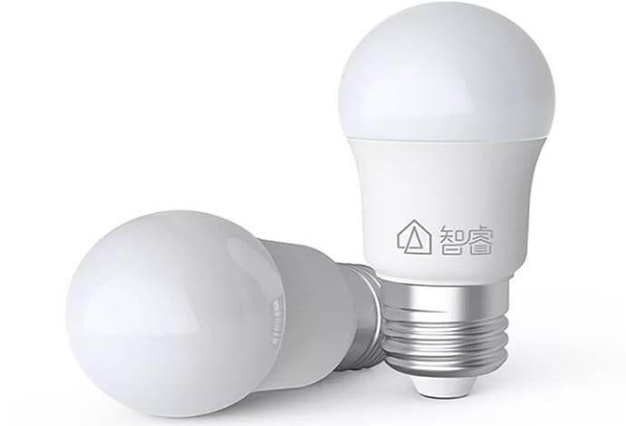На рынке появилась дешёвая, но умная лампа LED